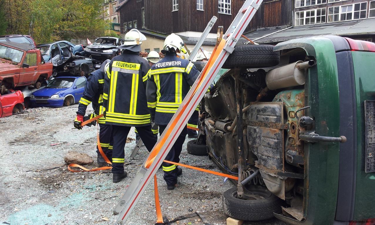 Ausbildungsdienst TH nach Verkehrsunfall_7